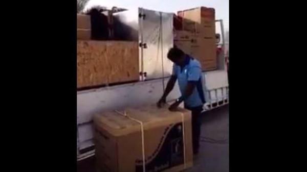 فيديو.. خادمة تسرق عفش منزل كفيلها الإماراتي