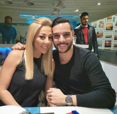 بالفيديو خلال عشاء رومانسي مع زوجها رولا شامية تفاجئ متابعيها بلوك مختلف تماما